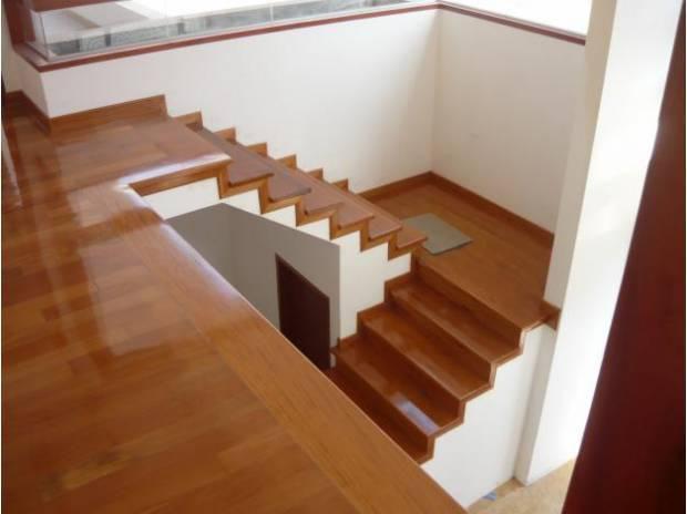 Duela en escaleras en monterrey tejas y duelas la galer a - Precio escalera madera ...
